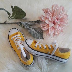 (CONVERSE ALL STARS) NEW Kids Yellow Sneaker NWOT